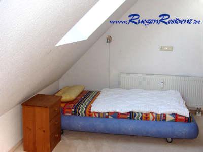 Das Einzelbett im Dachgeschoß