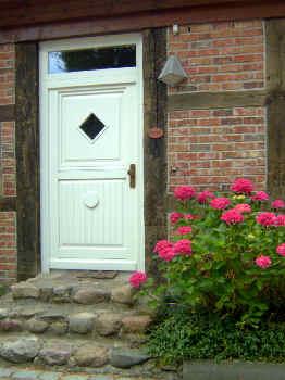 Stilvoller Eingang zu Ihrer Ferienwohnung im Gutshaus