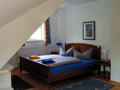 Schlafzimmer Nr.1 im Obergeschoß der FeWo