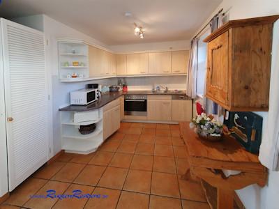 Der Esstisch im Küchenbereich