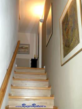 Die Treppe zum Obergeschoß